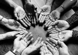 Hænder i cirkel