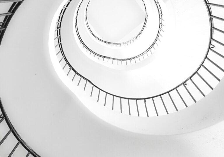 Spiraltrappe robin-schreiner-sN3ZCrA7adY-unsplash Photo by Robin Schreiner on Unsplash